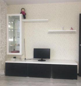 Новая стенка- глянец белый(краска)чёрное стекло