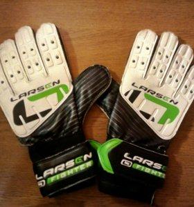 Вратрсие перчатки Larsen