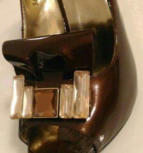 Туфли лакированная кожа 38р