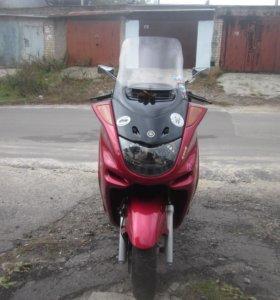 Yamaha majesty250
