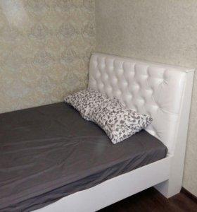 Изголовье кровати в каретной стяжке