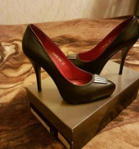 Кожаные туфли от  ROBERTO PIRALOFF