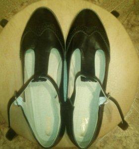 Туфли-ретро новые 39
