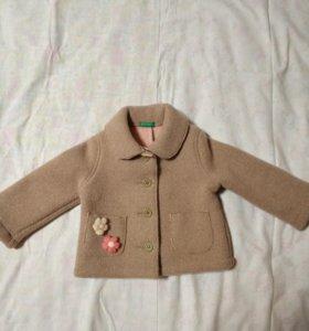 Пальто на девочку 9-12 мес