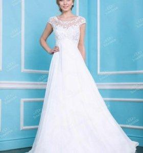 Свадебное платье со шлейфом Tobebride