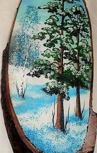 Работа камнем на дереве.