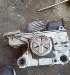 Двигатель от бензо пелы