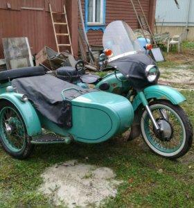 Мотоцикл Урал М61