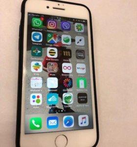 iPhone 8 на 64 ГБ в идеале и на гарантии
