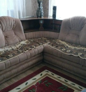Мебель. Диван и стенка.
