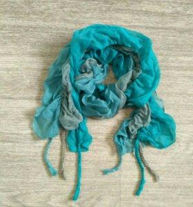 Оригинальный женский шарфик с косичками