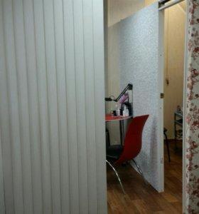 Аренда кабинета, парикмахерское кресло.
