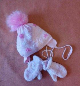 Зимняя шапка и ангорковые варежки