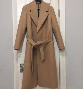 Пальто новое,