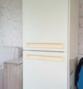 Холодильник Стинол.