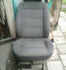 Кресло пассажирское на Пежо Эксперт
