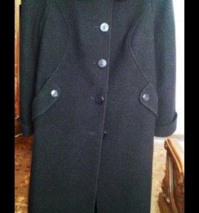 Пальто новое  100%шерсть.