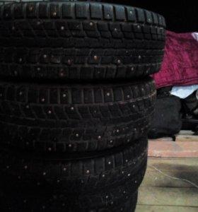 Продам Резину Dunlop 205/70К15 НИВА