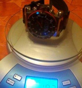 Продаю уникальные новые часы мужские .