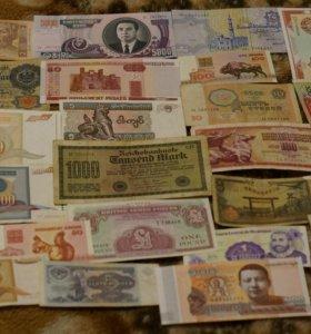 Коллекция более 90 разных банкнот и знаков мира