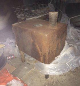 Печь металлическая с трубой для гаража, дачи и тд