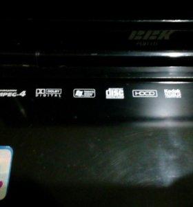 Портативный DVD плеер.
