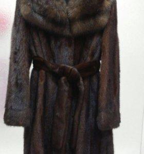 Норковая шуба с воротником соболь