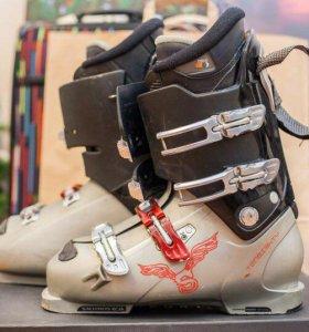 Лыжи и ботинки мужские