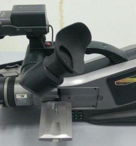 Профессиональная видеокамера Panasonic MD9000