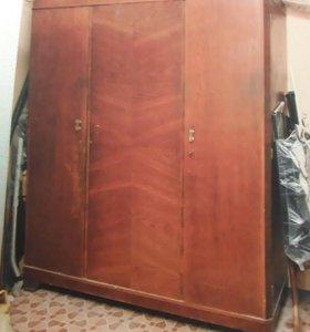 Шкаф Дубовый (Старинный)