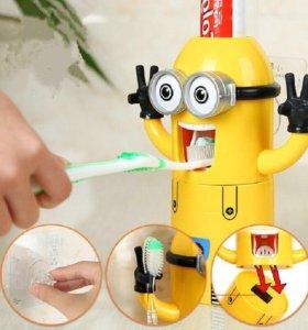 Детский держатель зубных щёток и дозатор пасты