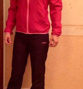 Новый спортивный костюм Reebok