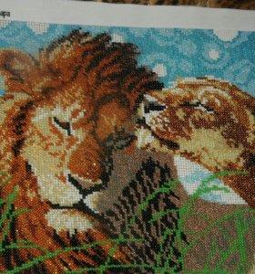 Львиная пара вышитая чешским бисером