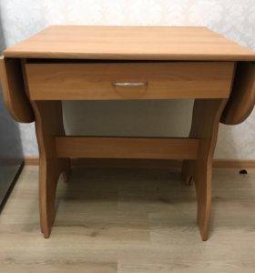 Раздвижной обеденный стол с ящиком