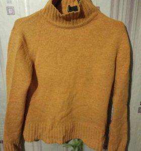 Теплый свитер DKNY Jeans 44 размер
