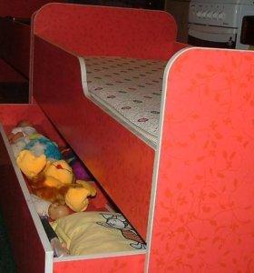 Детская кровать и стол