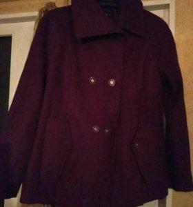 Пальто демисезонное женское р.46-48