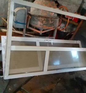 Дверь с откосами и стеклопакетами