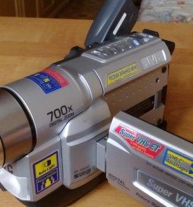 Компактная видеокамера VHS JVC GR-SXM48EG