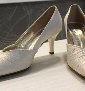 Новые женские туфли Gabor (Германия) р. 37.5