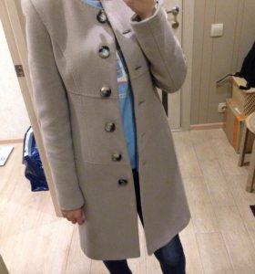 Пальто тёплое
