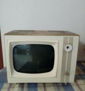 Телевизор Рекорд 67 раритет СССР