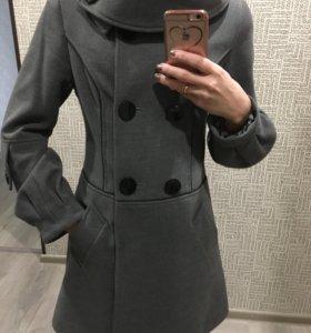 Пальто женское р.42-44