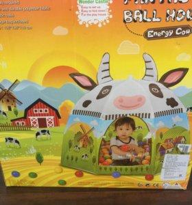 Детский домик с шариками