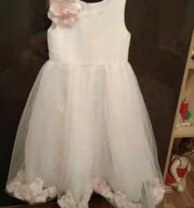 Нарядное платье новое р128-134