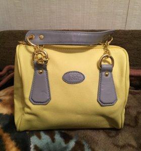 Женская сумочка