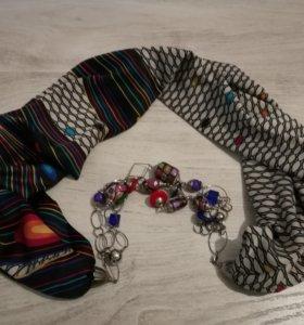 Шейный платок с украшением.