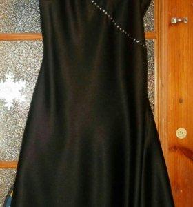 Платье чёрное, вечернее