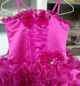 Нарядное платье на выпускной бал