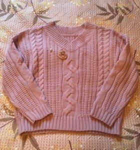 Розовый свитер с брошкой. Италия